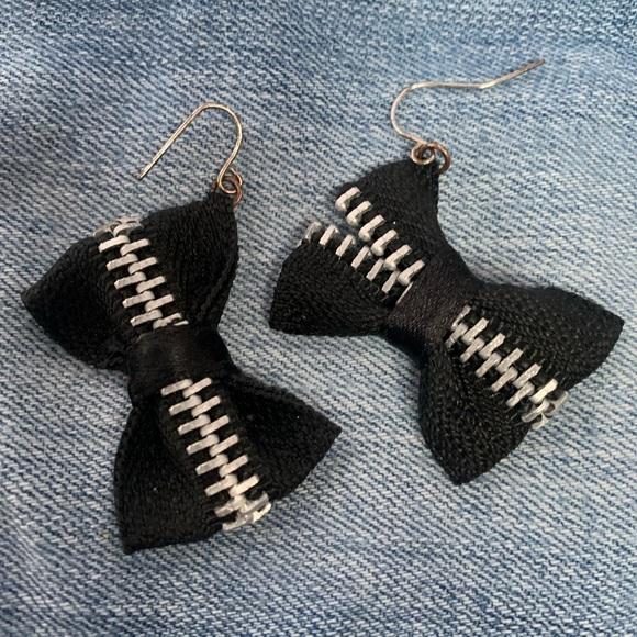Punk Rock Jewelry - Vintage Punk Rock Zipper Bow Earrings